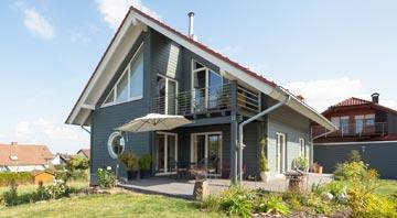 Außenansicht Haus Lavendelbaum von Stommel Haus