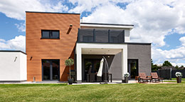 NATURinForm Fassadenverkleidung aus Holzverbundwerkstoff