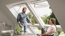 Elektrisches Klapp-Schwing-Fenster Velux-Integra