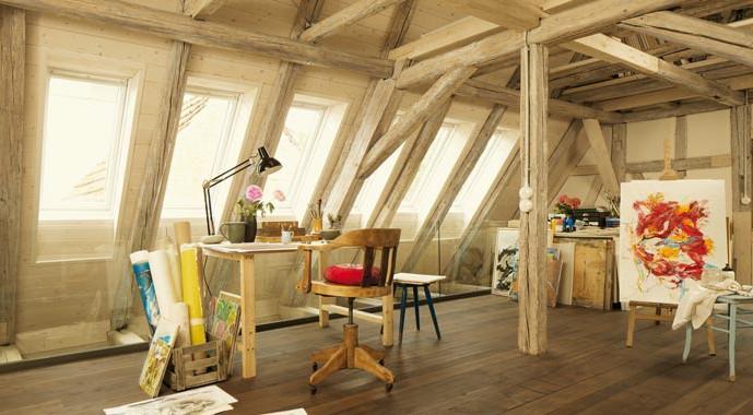 Das ursprüngliche Ambiente der alten Scheune blieb erhalten und wurde mit modernen Funktionalitäten kombiniert.