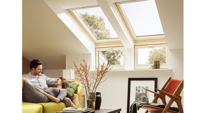 dachfenster einbauen und mehr tageslicht ins haus holen. Black Bedroom Furniture Sets. Home Design Ideas