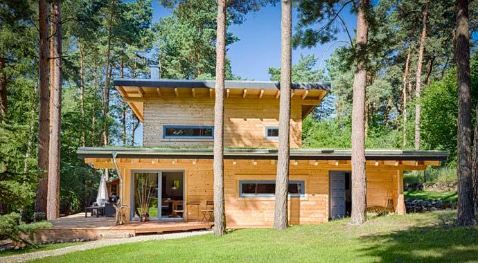 Außenansicht Blockhaus Kalevala von Léon Wood