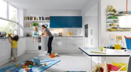 Familienküche uni gloss von Schüller