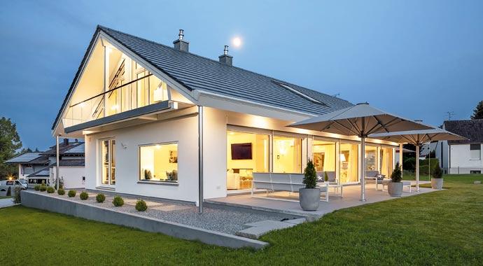 Außenansicht Haus Pöring von Regnauer Hausbau