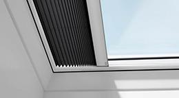 Sonnenschutz für Flachdach-Fenster von Velux
