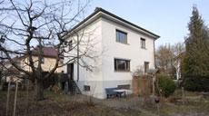 Ein 1934 erbautes Siedlungshäuschen soll das neue Zuhause von Familie Willner werden.