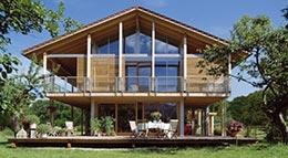 Bauen mit Holz fördert die Wohngesundheit und ist umweltschonend.