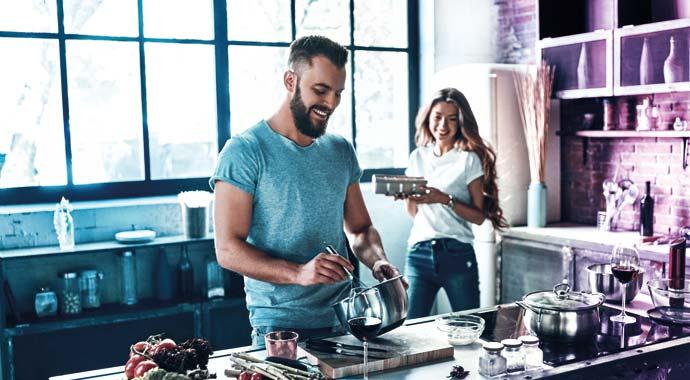 Symbolbild Paar in der Küche