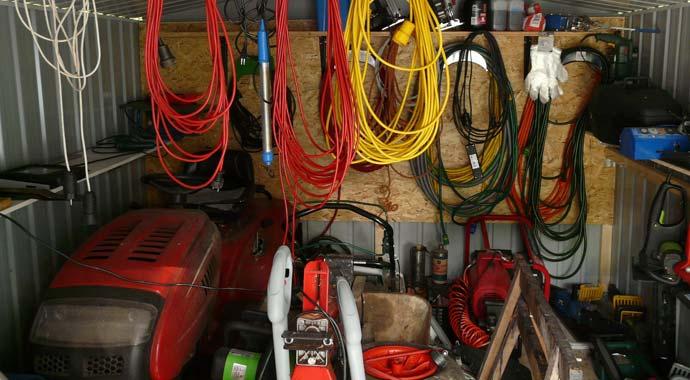 Symbolbild unaufgeräumte Garage