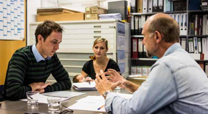 Was tun bei einer Firmenpleite des Baupartners? Der Bauherren-Schutzbund gibt Tipps.