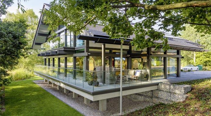 HUF HAUS überzeugt mit seiner modernen Fachwerkarchitektur