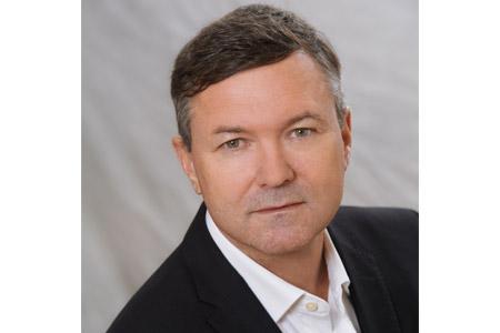 Portrait Gerd Holzschuh, Leiter Verkauf bei Regnauer Hausbau