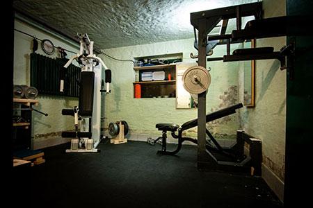 Privater Fitnessraum im Keller