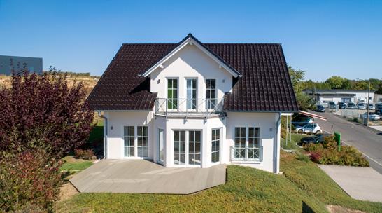 Helma Eigenheimbau Musterhaus Würzburg Außenansicht