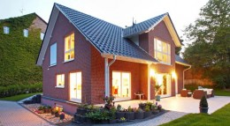 Der Fertighaushersteller Gussek Haus hat für seine Kunden gleich mehrere Ausbauhaus-Varianten im Angebot.