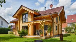 Außenansicht Haus Rosengarten von Rems-Murr-Holzhaus
