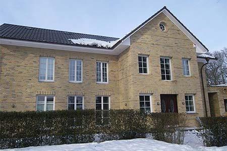 Holzfenster mit Sprossenfenster