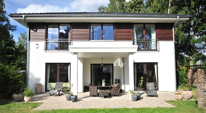 haacke haus stadtvilla mit anbau. Black Bedroom Furniture Sets. Home Design Ideas