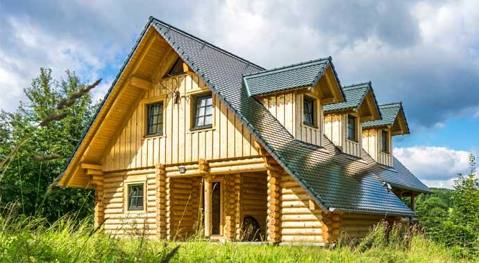 Außenansicht Blockhaus Waldschlösschen von LéonWood