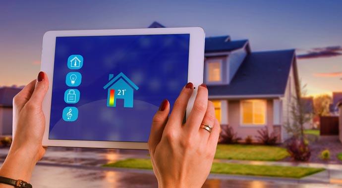Symbolbild Tablet zur Smart-Home-Steuerung