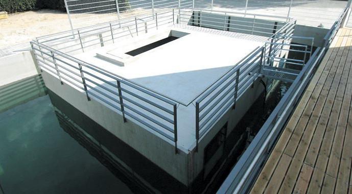 Der schwimmende Keller von Bürkle zeigt die absolute Wasserdichtigkeit von modernen Fertigkellern.