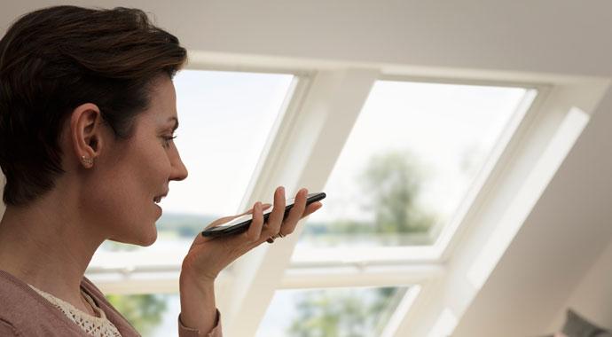 Dachfenster mit Sprachsteuerung von Velux