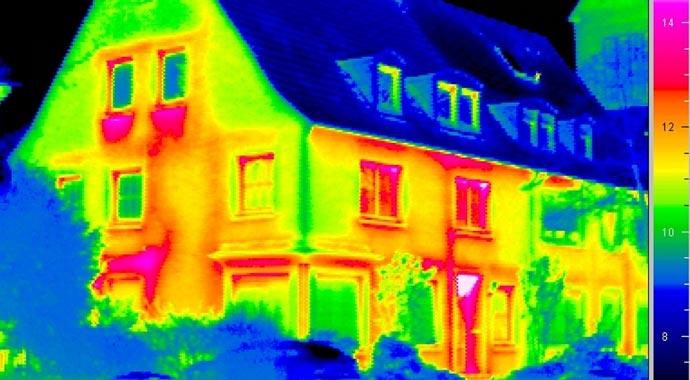 Thermografie-Aufnahme einer Fassade