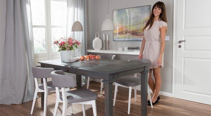 Mit Bondex Lacklasur aufgearbeiteter Holztisch