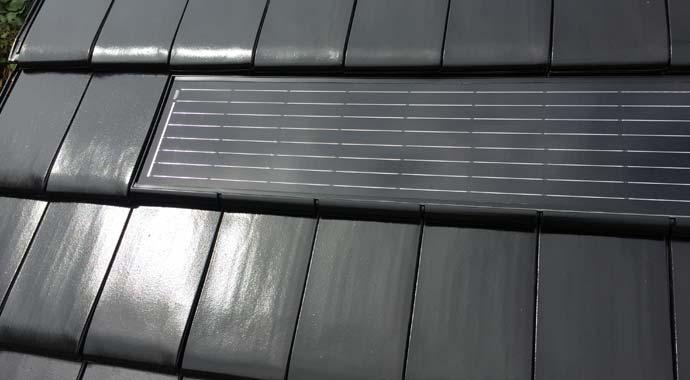 photovoltaik solardachziegel liefern klimafreundliche energie. Black Bedroom Furniture Sets. Home Design Ideas