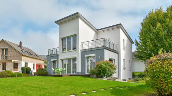Helma Eigenheimbau Musterhaus Frankfurt Außenansicht